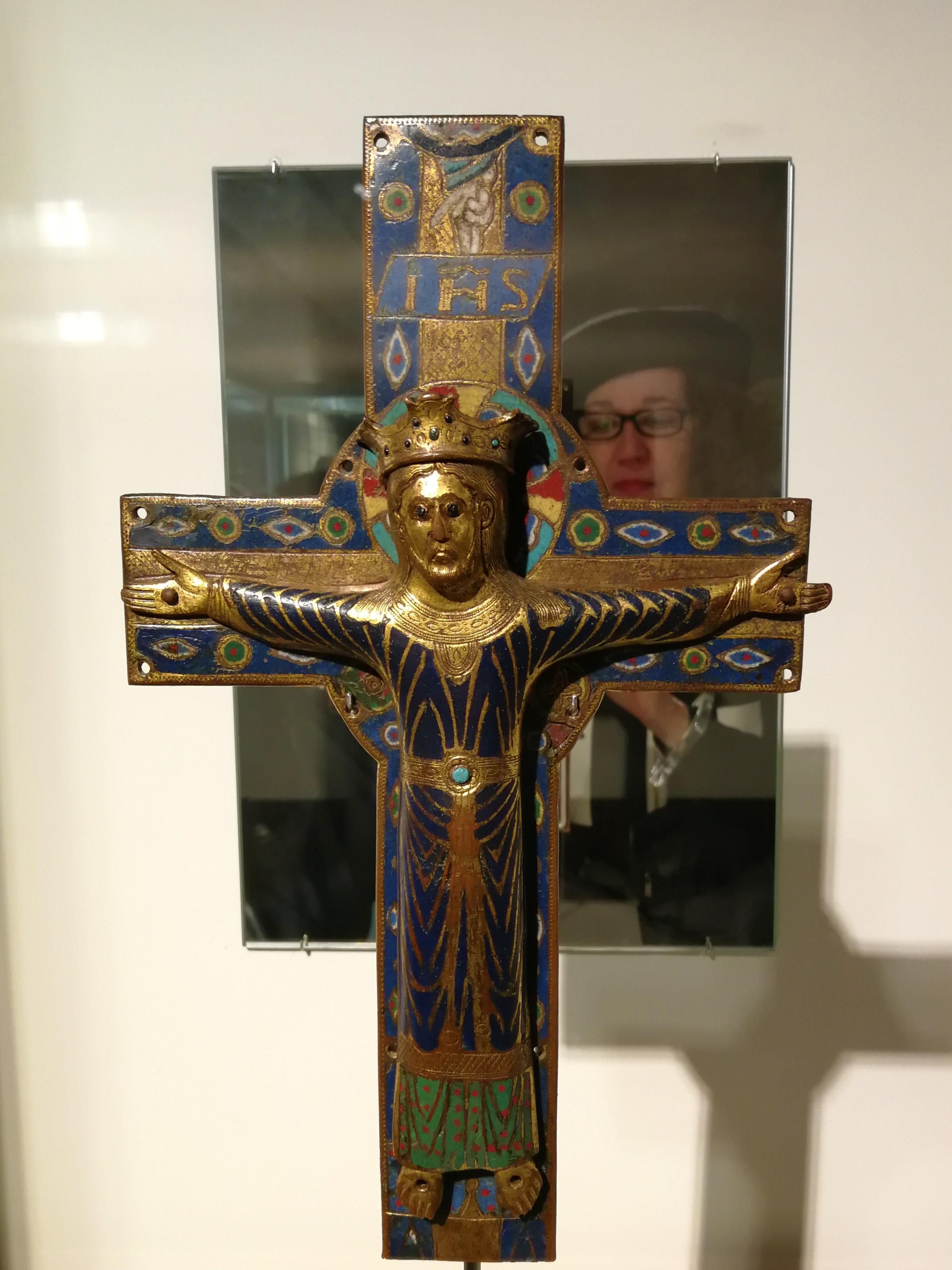 Crucifijo Medieval_Esmaltes